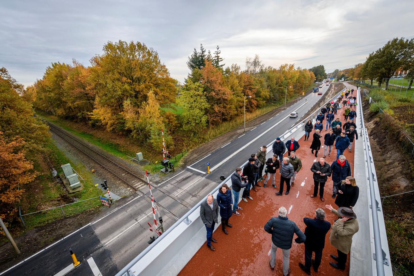 De opening van de fietsbrug aan de Euregioweg werd donderdagmiddag verricht.