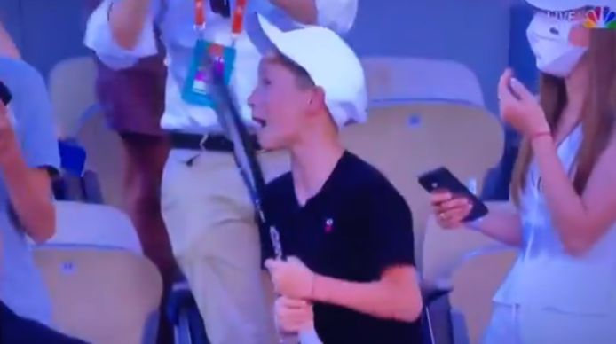 Une finale inoubliable pour ce jeune supporter de Novak Djokovic.