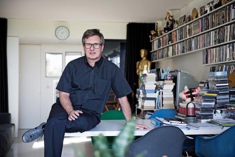 Jan Verheyen zei in 'De ideale wereld' dat de brand in het Brusselse warenhuis een aanslag was. Beeld Greetje Van Buggenhout