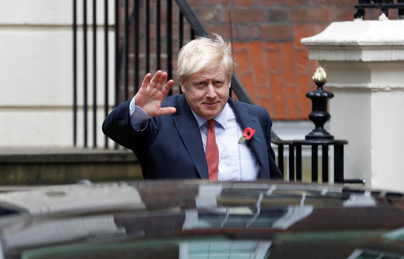 Premier Johnson houdt vast aan de gemaakte afspraken.
