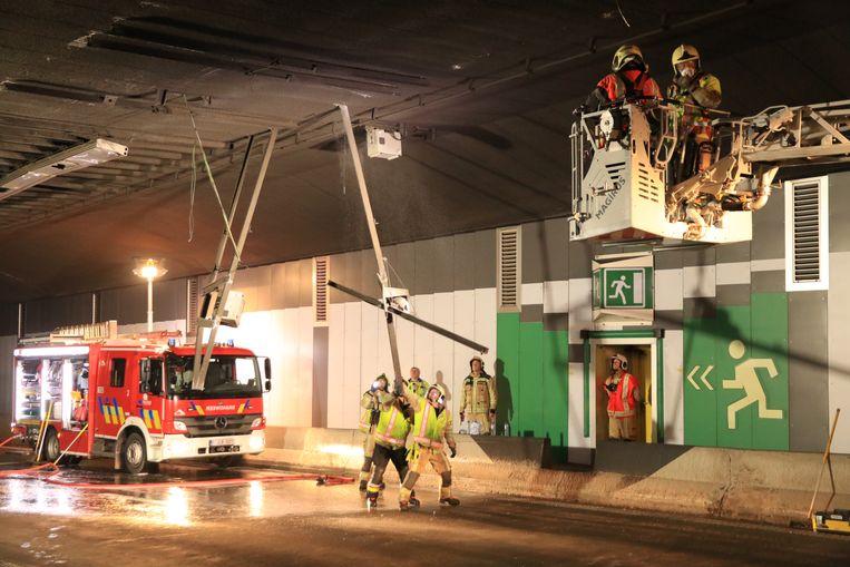 Het plafond van de tunnel werd over een afstand van 200 meter beschadigd.