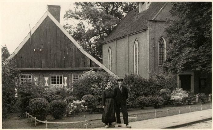Het Aleida Leurinkhuis in Losser toen het nog geen eigendom van de kerk was en nog 'Bekhoes' heette.