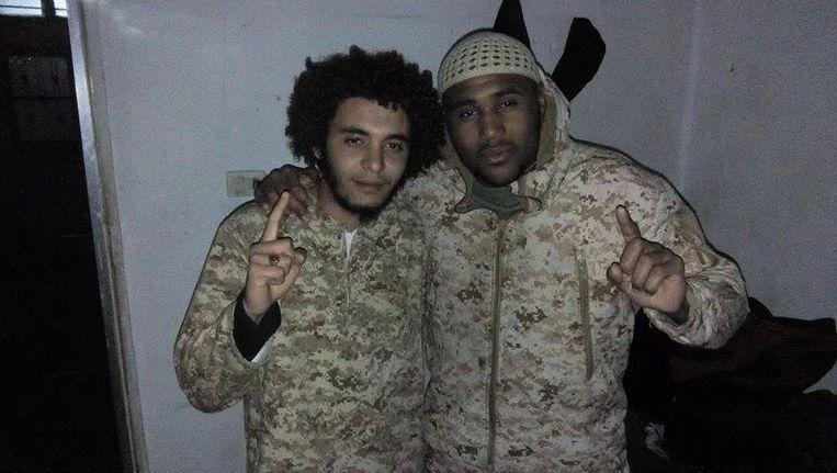 Abdelmalek Boutalliss en Lucas Van Hessche. Beeld KOS
