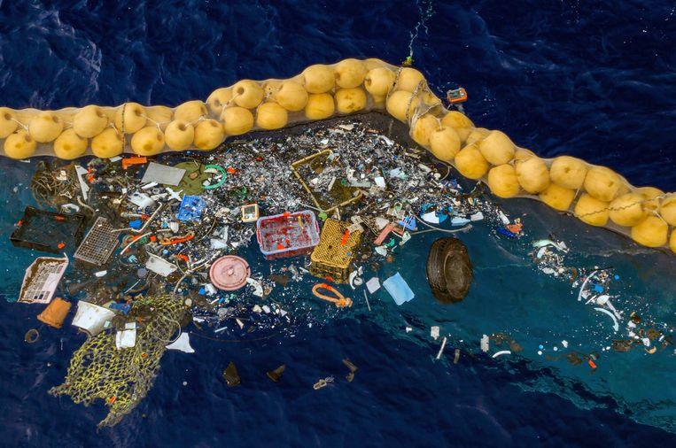 Volgens het team van Slat is de impact van de plasticvanger op het zeeleven beperkt.  Beeld AP
