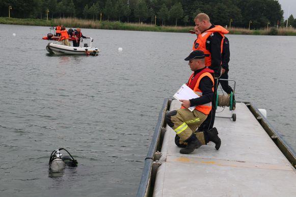De brandweer simuleerde een zoekactie naar drie slachtoffers.