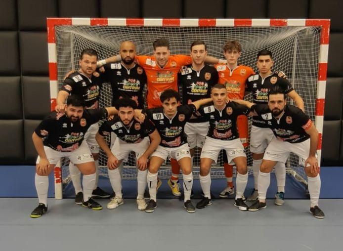 Futsal Apeldoorn heeft voor het eerst dit seizoen een uitwedstrijd gewonnen.