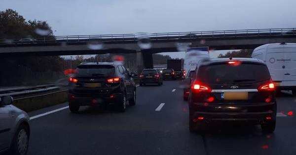File op A28 tussen Groningen en Haren door ongeluk.