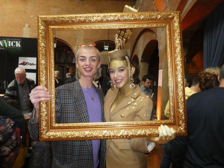 Aron van Groos en Chiana Selder van Krokant Agency, voor de betere selfies. Beeld Hans van der Beek
