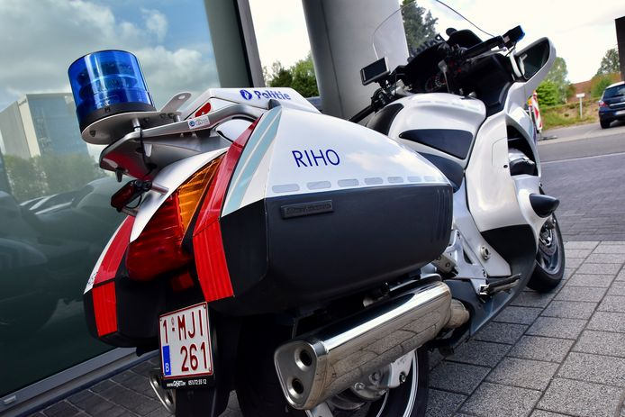Wie plots aan een dispositief komt en niet gecontroleerd wil worden, probeert best niet te ontkomen. Ook de snelle en wendbare motoren van de politiezone RIHO worden immers ingezet tijdens de controles.