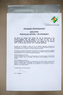 Brief op de deur van huizen die door de gemeente Noordoostpolder gesloten zijn.