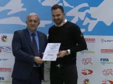 Eindhovenaar Ado Peljto beste dovenzaalvoetbalcoach van de wereld