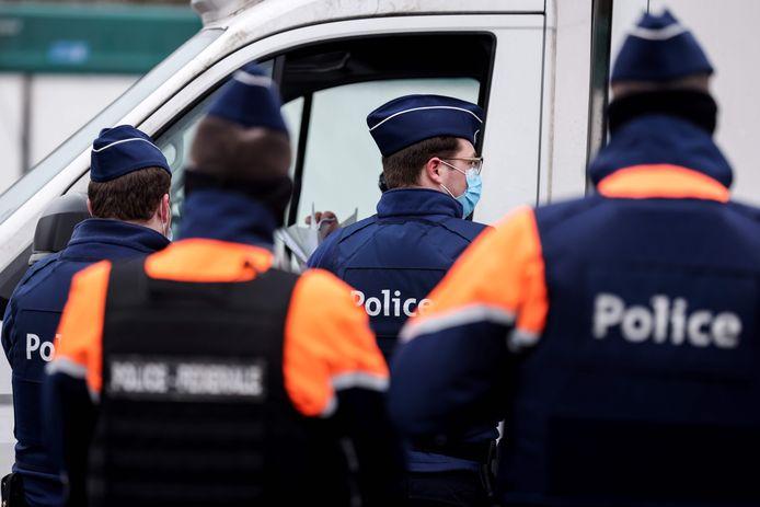 Een controle van de politie aan de grens met Frankrijk eind januari. Illustratiebeeld.