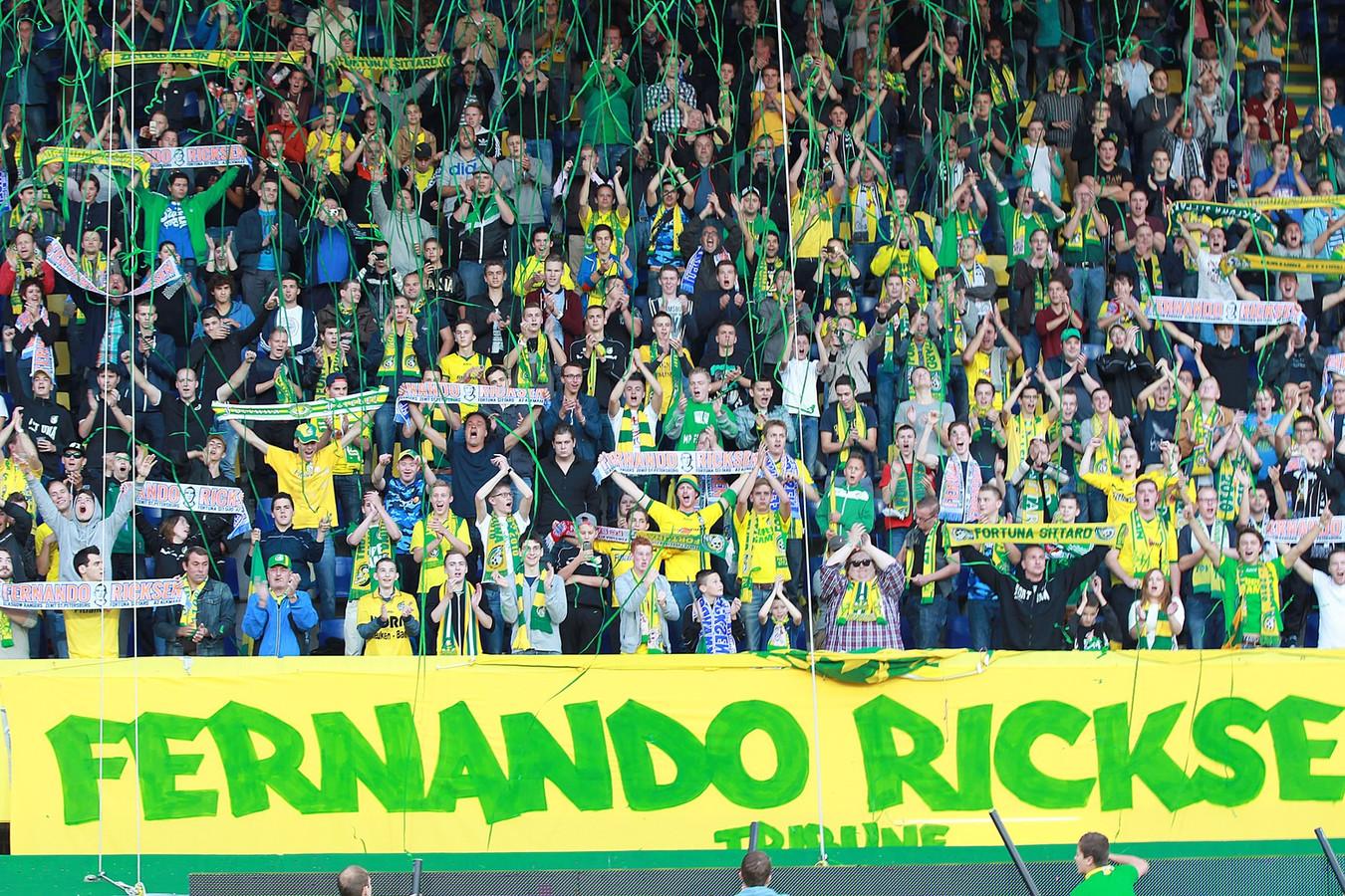 Ter illustratie: fans van Fortuna op de nieuwe Fernando Ricksen Tribune