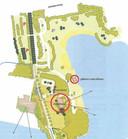 Een schets van de nieuwe ontwikkelingen op het Kivietsveld uit het bestemmingsplan dat eind 2016 definitief werd. In de grote rode cirkel is het ontbijthotel gepland. De kleine cirkel markeert het gebouw van de waterskibaan.