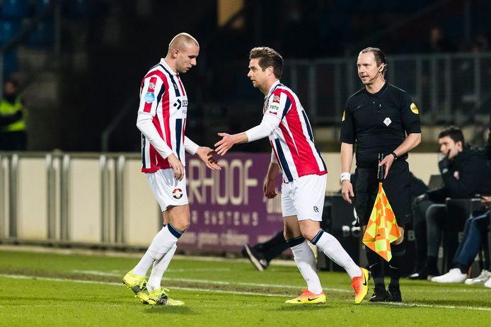 Jordens Peters viel tegen FC Utrecht een kwartier voor tijd in voor Sven van Beek.