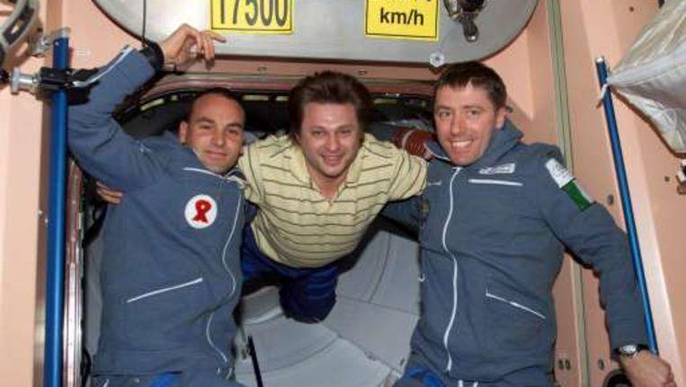 De Italiaanse ingenieur Roberto Vittori (R) gaat voor de derde keer naar het ISS. Beeld UNKNOWN