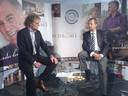 Campagnebedenker Martie Dekkers (links) interviewt directeur Koen van Hoeckel van Habidrome. Foto Toine van Berkel/BD