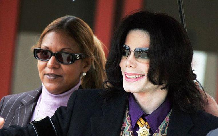 Op de foto: manager Raymone met Michael Jackson.