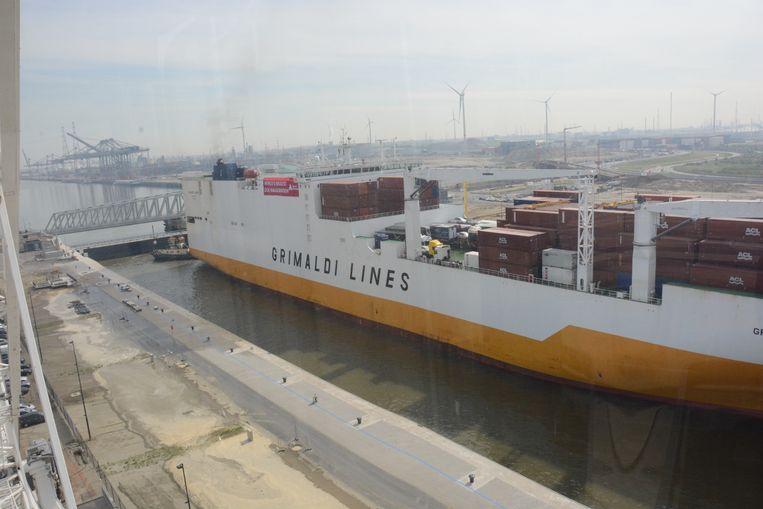 Illustratiefoto van de Grande Lagos van Grimaldi Lines.