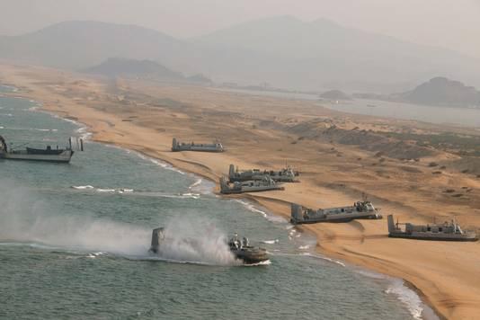 Noord-Korea oefent een inval via zee