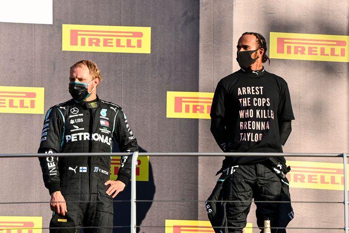 Lewis Hamilton sur le podium du GP de Toscane dimanche.