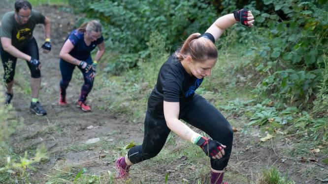 Kruipen, zwemmen, klimmen, vallen, opstaan en weer doorgaan: 6.000 dapperen overwinnen Spartacus Run