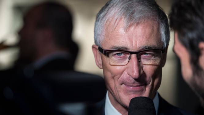 Topambtenaren trekken aan alarmbel over personeelsbesparingen regering