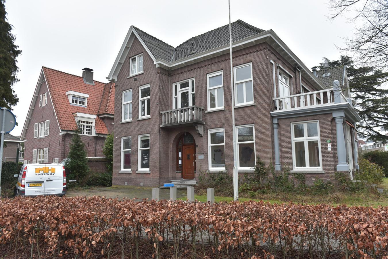 Albert van Abbehuis aan de Bilderdijklaan in Eindhoven. De gemeente wil het geschenk van de familie Van Abbe verkopen.