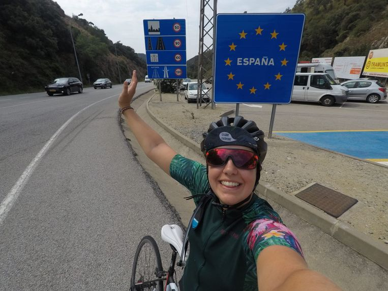 Maartje bereikt de Spaanse grens.