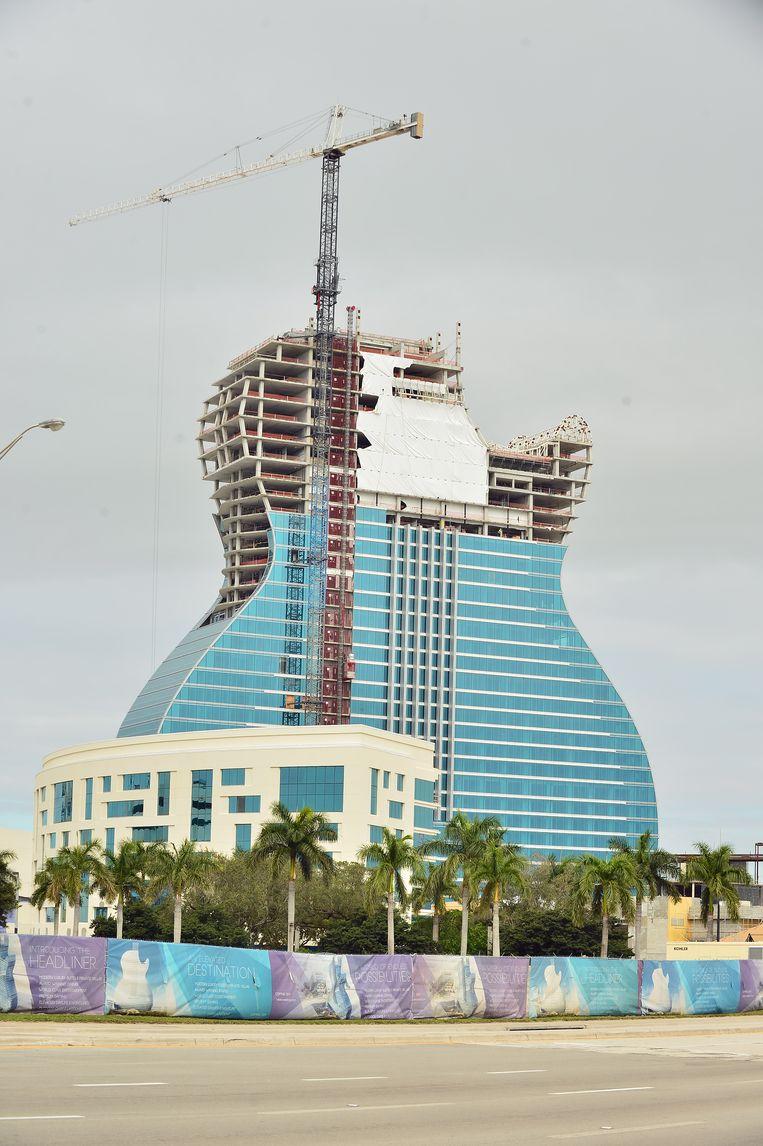 Het Seminole Hard Rock Hotel en Casino in Hollywood, Florida, heeft de vorm van een gitaar. Het is het pronkstuk van de voormalige onderduikers uit het moeras. Beeld BELGAIMAGE