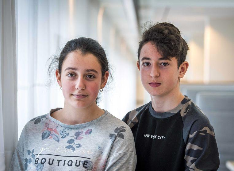 De Armeense kinderen Lili en Howick mochten dankzij de discretionaire bevoegdheid van Mark Harbers in Nederland blijven.  Beeld EPA