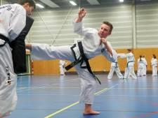 Stef van den Berk (15) uit Berghem met twee gouden plakken terug van WK taekwondo: 'Ik ben elke wedstrijd te keer gegaan'