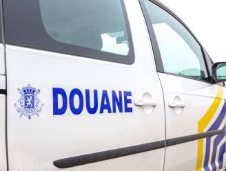Parket zoekt getuigen van wilde achtervolging op E40 tussen Gistel en Veurne: levensgevaarlijke manoeuvres om douane af te schudden