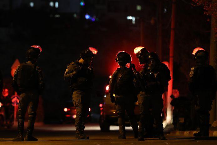 Israëlische grenswachters op straat tijdens een protest tegen de uitzetting van 58 Palestijnen.