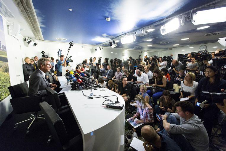 Huib Gorter, tijdens de persconferentie naar aanleiding van de vliegtuigramp boven de Oekraïne. Beeld anp
