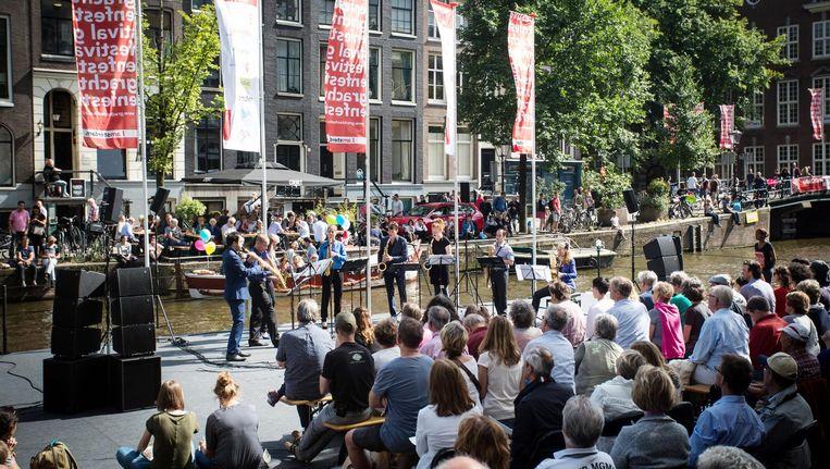 Er zijn concerten op de grachten, maar ook in buurtcentrum Holendrecht en museum Het Schip Beeld Ronald Knapp