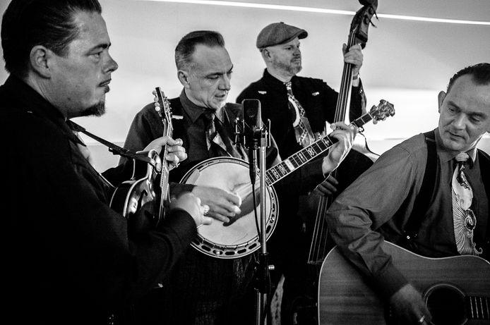 The Bluegrass Boogiemen zijn via een live-uitzending te zien vanuit de Avenue.