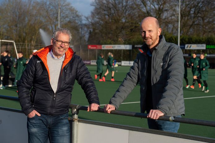 Voorzitter Menno Woldhuis (L) en bestuurslid Tophockey Casper Hengst van Push.