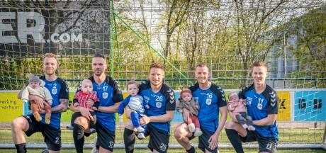 Babyboom bij voetballers Urk, vijf baby's in half seizoen: 'Niets met corona te maken'