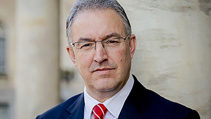 Burgemeester Aboutaleb pleit voor een speciale ambulance en het afschaffen van het eigen risico voor medicijnen bij psychoses.