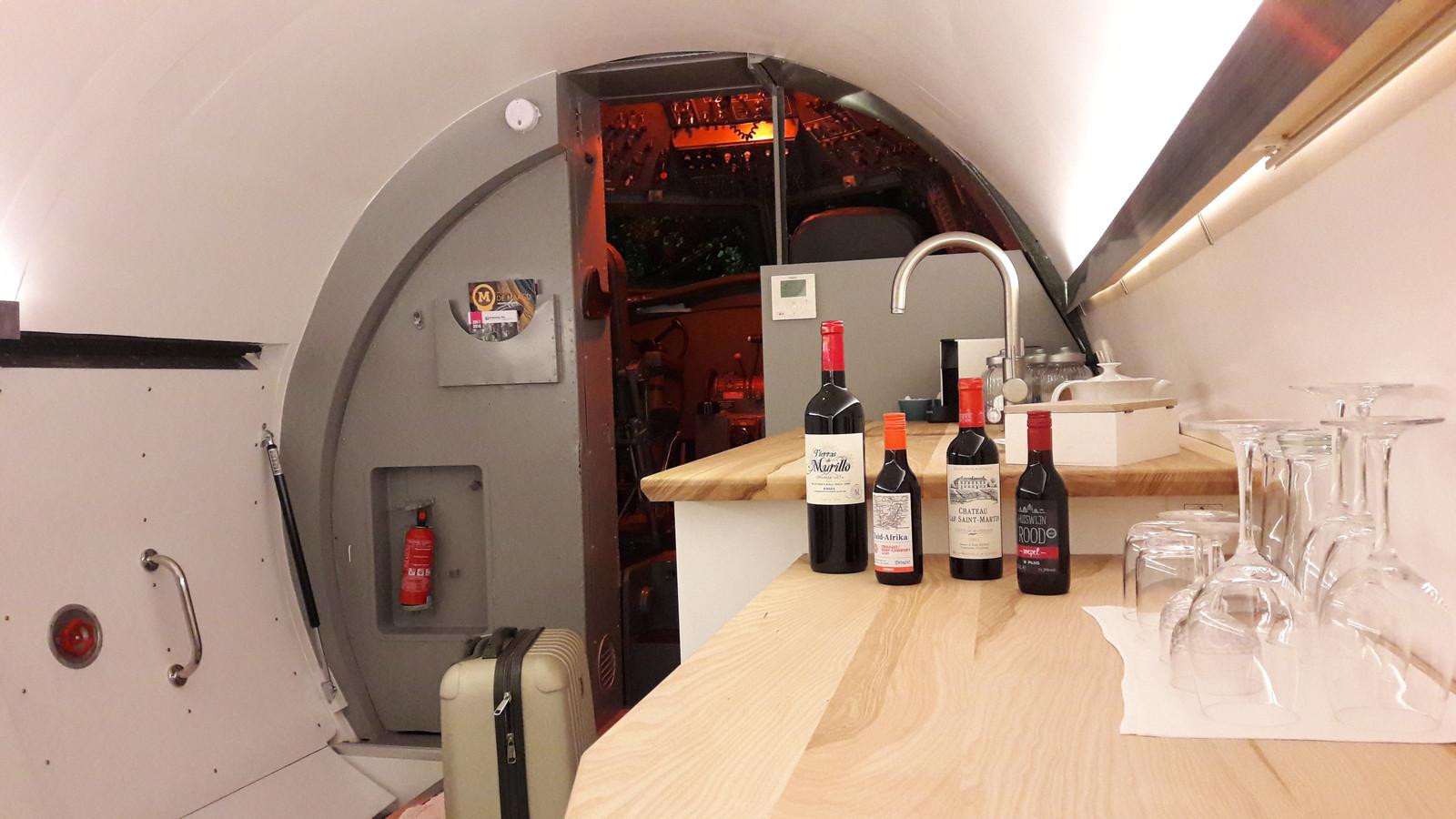 B&B in Fokker 27 in Hoogerheide, zicht op de cockpit
