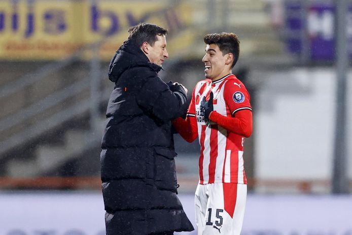 Erick Gutierrez met PSV-trainer Roger Schmidt.