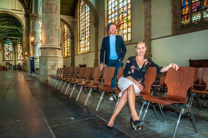 Tanja van Veen van Best Western Hotel en Pascal Vergouwen van de Goudse Schouwburg bundelen met nog andere Goudse bedrijven, zoals de Sint-Janskerk, hun krachten voor de zakelijke toerist.