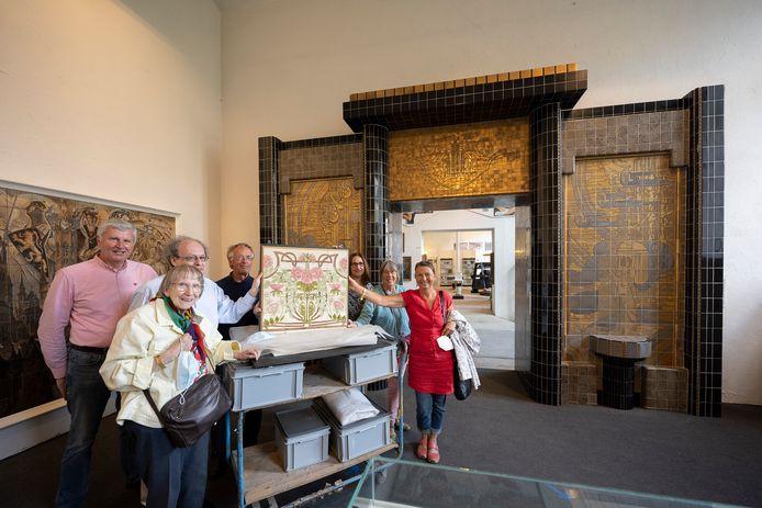 Het Gilliot & Roelants Tegelmuseum geeft zo'n 200-tal tegels in bruikleen van het Duitse museum.