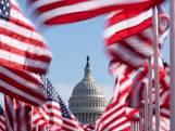 Veld met 200.000 vlaggen licht op voor het Witte Huis