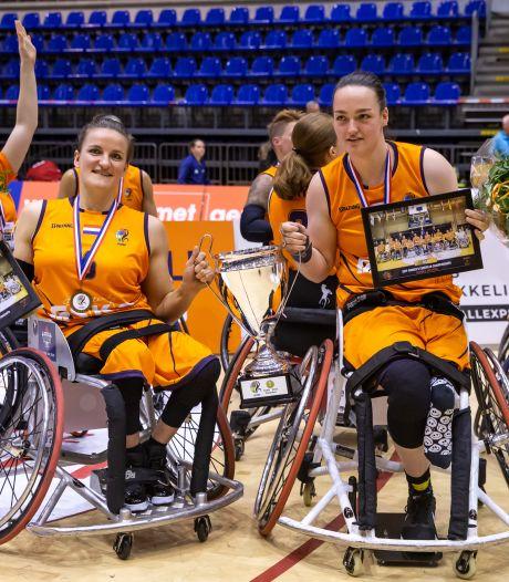 EK-titel in eigen land krijgt bij rolstoelbasketbalsters Jitske en Xena een speciale plek