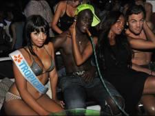 Balotelli feest met Paris op Ibiza