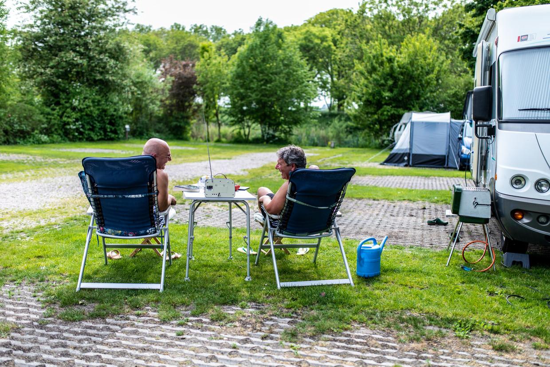 Langzaam maar zeker melden de eerste gasten zich bij Camping Zeeburg.