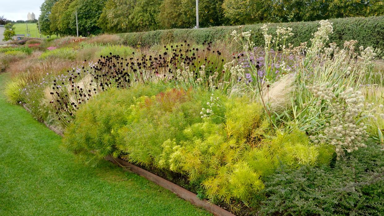 De tuin van galerie Hauser & Wirth in Engeland Beeld Piet Oudolf