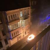 Auto in brand gestoken in dichtbevolkte buurt in Ledeberg